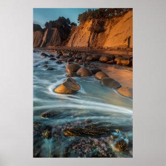 Welle entlang dem Strand, Kalifornien Poster