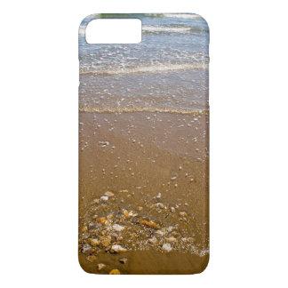 Wellen, die auf einem Strand iPhone 7 Fall iPhone 8 Plus/7 Plus Hülle