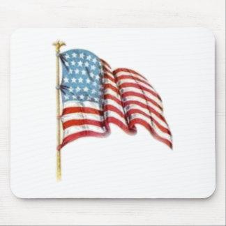 Wellenartig bewegende amerikanische Flagge Mousepad