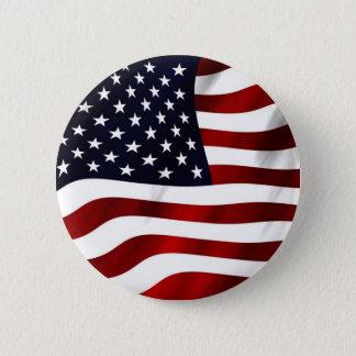 Wellenartig bewegende amerikanische Flagge Runder Button 5,7 Cm