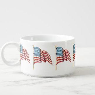Wellenartig bewegende amerikanische Flagge Schüssel