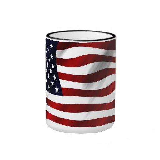 Wellenartig bewegende amerikanische Flagge Tee Tassen