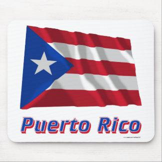 Wellenartig bewegende Flagge Puertos Rico mit Mousepads