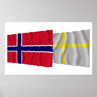 Wellenartig bewegende Flaggen Norwegens und Nord-T Plakat