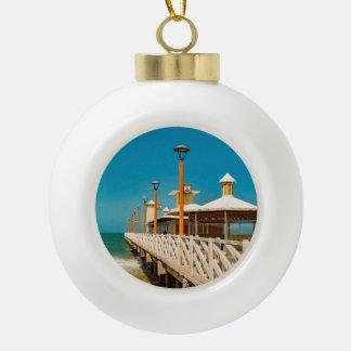 Wellenbrecher-Gehweg an Fortaleza-Strand Keramik Kugel-Ornament