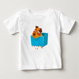Welpe, der im Kasten umgeben durch Apple-Kerne Baby T-shirt