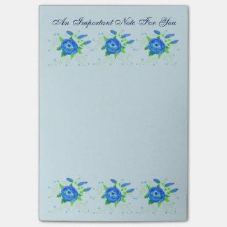 Wenig blaue geblühte Büro-Anmerkung Post-it Klebezettel