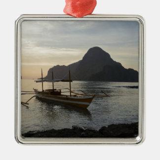 Wenig Boot und Ozean Silbernes Ornament