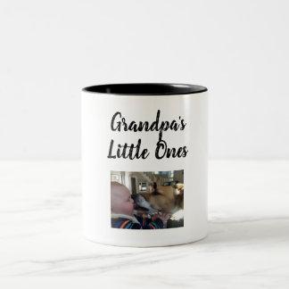 wenig des Großvaters eine Zweifarbige Tasse