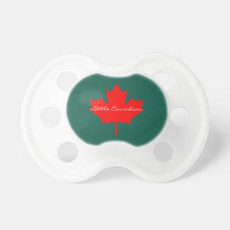 Wenig kanadisches Kanada-Rotahornblatt-Baby Schnuller