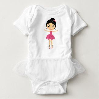 Wenig niedliches balerina Rosa auf Weiß Baby Strampler