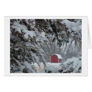 Wenig rote Scheune gerahmt durch Snowy-Äste, Karte