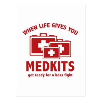 Wenn das Leben Ihnen Medkits gibt Postkarte