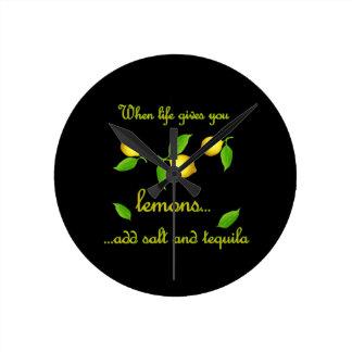 Wenn das Leben Ihnen Zitronen gibt Runde Wanduhr