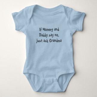 Wenn Mama und Vati nein sagen, fragen Sie einfach Baby Strampler
