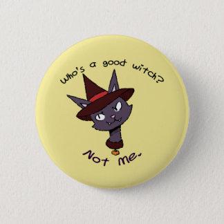 Wer ist eine gute Hexe? Miezekatze-Version Runder Button 5,7 Cm