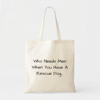 Wer Männer benötigt, wenn Sie einen Rettungs-Hund… Tragetasche