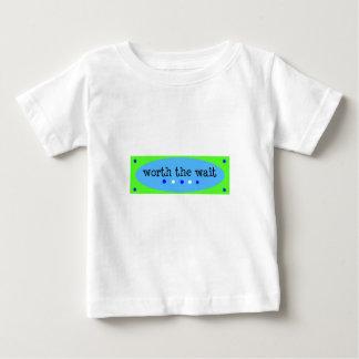 Wert das Wartezeit-Blau Baby T-shirt