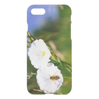 Wespe auf einer weißen Blume, Natur-Fotografie iPhone 8/7 Hülle