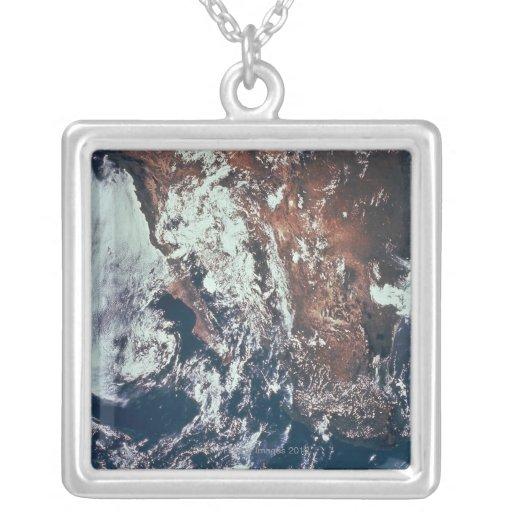 Wettergeschehen über Erde Amuletten