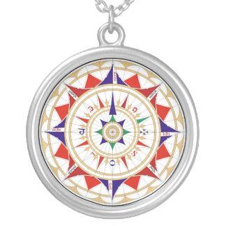 Wickeln Sie Rosen-Kompass-Rose durch Jorge de Halskette Mit Rundem Anhänger