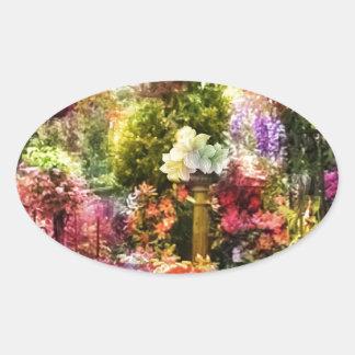 Wie der Garten im Frühjahr schön ist Ovaler Aufkleber