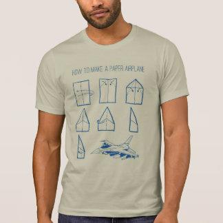 Wie man ein Papierflugzeug-Grafik-T-Stück macht Hemd