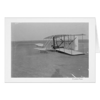 Wilbur Wright in geschädigtem Flugzeug nachher Karte