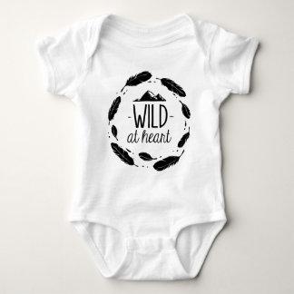 Wild Herz-am böhmischen Kinderbaby-Shirt Baby Strampler