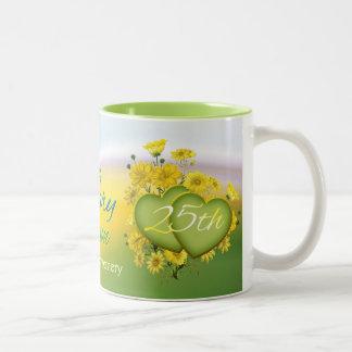 Wildblume-Herz-25. Hochzeits-Jahrestags-Party Zweifarbige Tasse