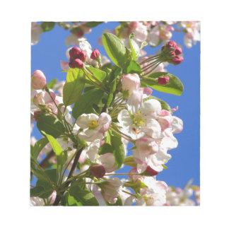 Wilde Apfelbaumblüten Notizblock