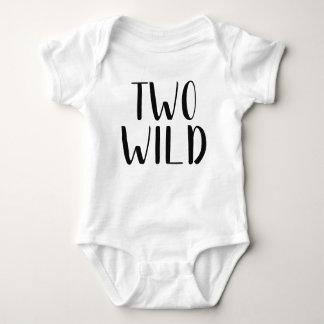 Wilde Ausstattung des Baby-zwei Baby Strampler