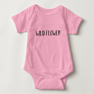 """Wilde Blumen-"" Baby-Shirt Baby Strampler"