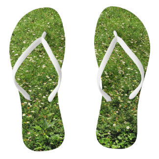 Wilde Blumen-grünes Gras Flip Flops