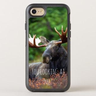 Wilde Elche auf Hügel mit Haltung im WaldFoto OtterBox Symmetry iPhone 8/7 Hülle