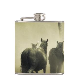 Wilde Pferde Flachmann