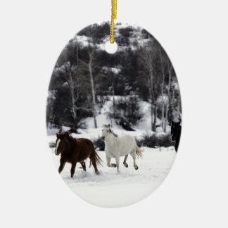 Wilde Pferde Keramik Ornament