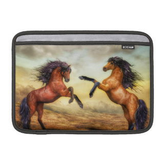 Wilde Pferdeillustration MacBook Sleeve