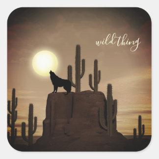 wilder Sache ~ Vollmond-Wolf-Heulenwüsten-Kaktus Quadratischer Aufkleber
