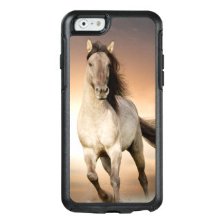 Wilder Stallion, der in Sonnenuntergang läuft OtterBox iPhone 6/6s Hülle