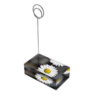 Wildes Gänseblümchen weiß und gelb Tischnummernhalter