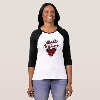 Wildes Mädchen an Herz Stammes- Liebe T-Shirt