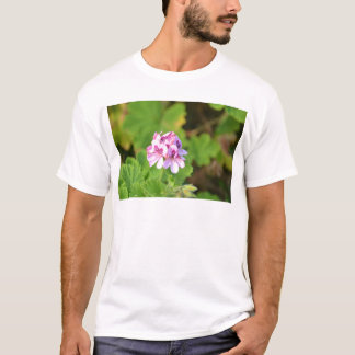 Wildes Rosa-Pelargonie T-Shirt