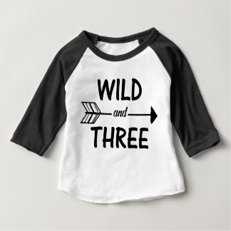 Wildes und 3. Geburtstags-Shirt mit drei Pfeilen Baby T-shirt