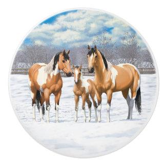Wildleder-Farben-Pferde im Schnee Keramikknauf