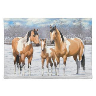 Wildleder-Farben-Pferde im Schnee Stofftischset