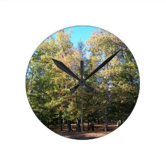 Wildnis u. Bäume Runde Wanduhr