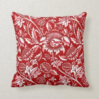 William Morris-Sonnenblumen, tiefrot und weiß Kissen