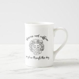 Wimperntuschen-und Koffein-Tasse Porzellantasse