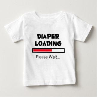 Windel-Laden - warten Sie bitte… Baby T-shirt